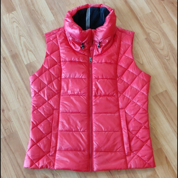 Obermeyer Jackets & Blazers - Like new Obermeyer puffer vest